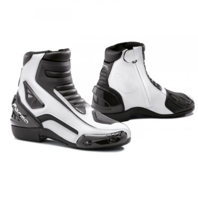 forma-axel-boot-black-white