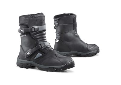 forma-adventure-low-boots-black